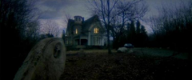 house_by_the_cemetery_4
